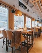 Mesas altas para bar y restaurante en Vaesan